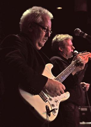 Christer Jansson fick chansen att briljera med fingrarna över gitarrhalsen.