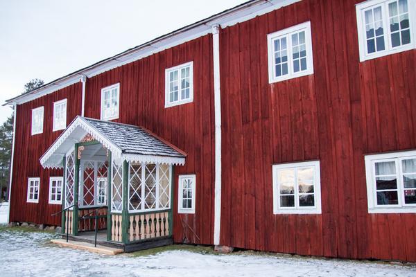 Byggnaden som julen 1910 lämnades och fortfarande i dag innehåller ett helt intakt bohag.