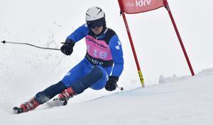 Johan Hagberg från Avesta närmar sig den alpina eliten. I helgen tävlar han åter i Fjätervålen.