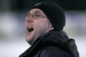 Sa emot. TB och sportchefen Peder Lönn nöjde sig inte med Bandyförbundets matchtid.
