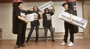 Festfixare. Filip Maraha, Ninorta Savci, Seyde Kaya och Salar Azizi är några av dem som ligger bakom hiphoppartyt. FOTO: MIRANDA TARTAGLIONE
