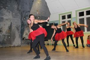 Dansgruppen Kicks uppträdde på Kläppa fritidsgård.