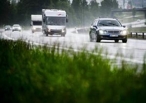 Timrå kommun har miljömål för bilar som används i tjänst. Vilka Socialförvaltningen har svårt att uppnå.