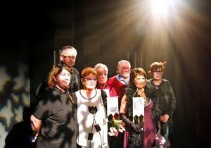 Anette Jakobsson från LIS tillsammans med Lasse Hellgren, Irene Gruhs, Eva Erkers och Christer Gruhs från Björborevyn samt  P-O Bergman och Lisbeth Gråbo från IOGT-NTO Björbo