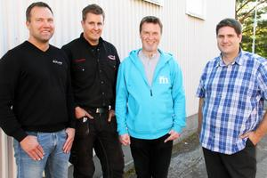 Köpet är i hamn. Hans Nohrlander, Metallprodukter, Thomas Persson, Custom Parts-service AB, Mikael Jonsson, ordförande för och Mikael Reijer, vd för Alfta industricenter AB är alla nöjda med affären.