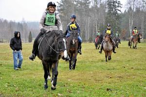 Nybörjare. Birgitta Lindvall har bara provat på distansritt en gång förut, men tycker det är roligt och vill gärna lära sig mer.