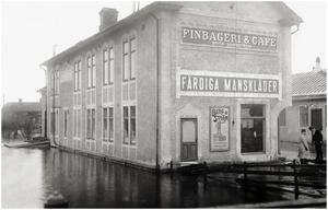ÖstraHamngatan med IOGT-huset. Från Falubron.
