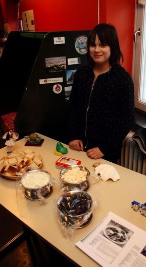 Bea Andersson bjöd sina skolkamrater på tsatsiki, fetaost och andra grekiska godsaker.