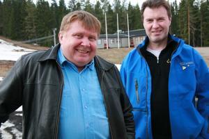 Åke Ahl och Mikael Jonsson är båda glada att det blir en satsning på vinterturism i Edsbyn. Gårdtjärnsberget har alla förutsättningar för det, tycker de.
