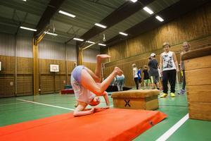 32 barn tränar parkour i Färila varje vecka. Bland andra Ebba Egebrandt, 10 år, från Ljusdal.