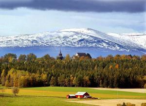 På Frösön går kulturarvsvandringen – naturligtvis – via Frösö kyrka.Foto: Jan Andersson