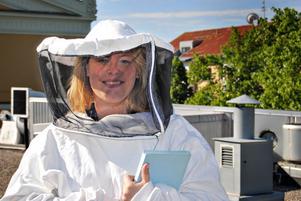 Arbetarbladets reporter Sofia Wike hälsar på teaterbina.