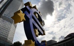 Euroskulptur utanför Europeiska centralbanken i Frankfurt, Tyskland. Foto: Michael Probst