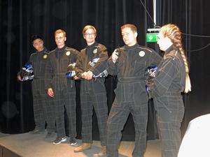 MDH Solar Teams förare:  Philip Bengtsson, Tobias Bäckman, William Nilsson, Erik Skarp och Josefine Bäcklin.