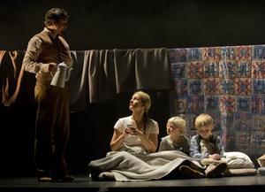 Kristina från Duvemåla sattes upp på Göteborgsoperan 2014. Maria Ylipää spelade en av huvudrollerna