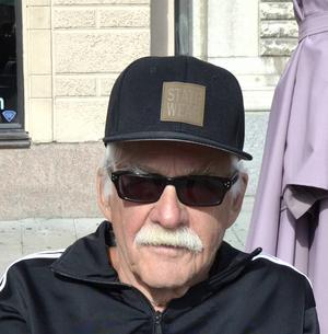 Rune Björkqvist erkänner att hans fråga om sänkt alkoholskatt för pensionärer delvis var en provokation till politikerna i Sundsvall.