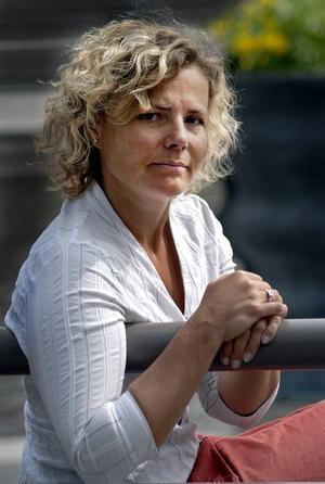 """""""Liza Marklund måste ta debatten"""", säger Tidningsutgivarnas vd Anna Serner. Även hon medverkade i Neos paneldebatt i förrgår."""
