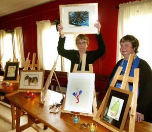 Lena Simonsson och Yvonne Jonsson är två av konstnärerna som visade sina alster på Vallgården.