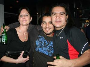 Blue Moon Bar. Anna, Mauricio och David