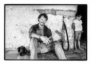 Martin Adler bevakade FMLN-gerillans kamp mot militärregimen i El Salvador 1991.
