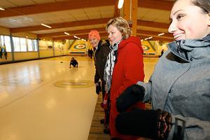 Under lunchen dök Marina Stener, Eva Klockervold och Åsa Bergström för att heja på svegslaget.