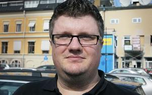 Patrik Sahlander, 30, Falun– Ja, det tycker jag. Det är dumt att motarbeta att vi har ett levande centrum. Foto: Staffan Björklund