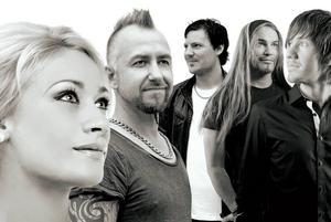 Dansbandet Blender, från Hudiksvall, spelar på helgens säsongsavslutning.