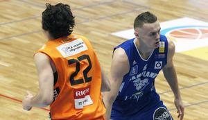 Jaan Puidet gjorde en suverän match med 14 poäng och 9 returer, varav 5 offensiva.