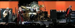 Legendariska rockgruppen Fleetwood Mac är numera en kvartett. Från vänster: John McVie, Stevie Nicks, Mick Fleetwood och Lindsey Buckingham.