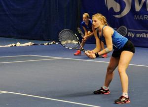 Sandra Anglesjö fick en tuff uppgift på lag-SM och föll i två raka set.