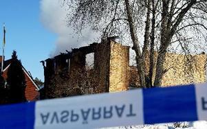 Huset spärrades omedelbart av när polisen kom till platsen.
