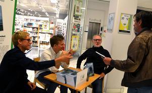 Per Arnsäter, Peter Arnemo och Stefan Nolervik signerar sin reportagebok