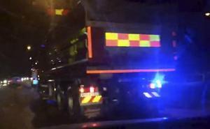 En tonårsflicka blev påkörd av en bil på Alnöbron på torsdagsmorgonen.