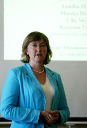 Annika Hannberg är doktor vid Institutet för Miljömedicin. Hon konstaterar att Sundsvall är svårt nedsmutsat av PAH-utsläpp.