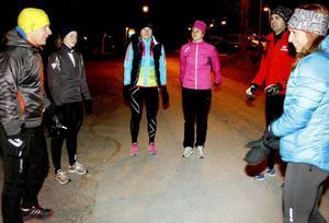 Gruppen samlas på parkeringen vid Arctura klockan 06.00 för dagens träningspass.