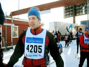 Stefan Svärd från Hille åkte Öppet spår för sex år sedan. Han var mycket nöjd med sin comeback. Nästa gång (2013 alltså) vill han prova tävlingsloppet även om han inser att där är det ännu trängre i spåren med dubbelt så många deltagare.