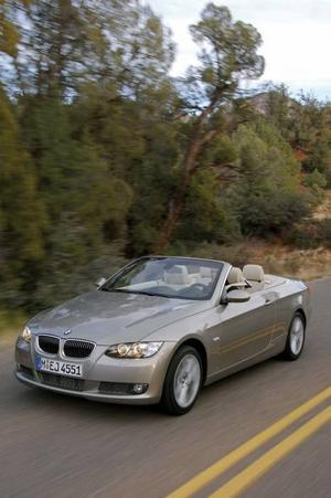 BMW 320 ligger på tredje plats med 353 sålda bilar.Foto: BMW