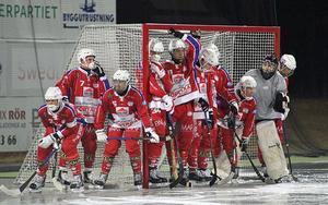 Abbe Bodin och Kalix vann Remium cup efter finalseger mot Murmansk, men det är en av få träningsmatcher på försäsongen.