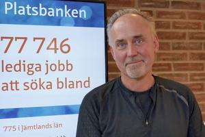 – Kom hit och jobba, säger Bengt Proos, arbetsförmedlare i Sveg.