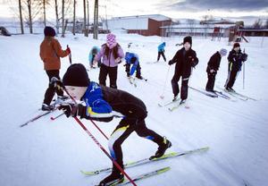Olle Nordin och hans klasskamrater får åka skidor på många av vinterns idrottslektioner.