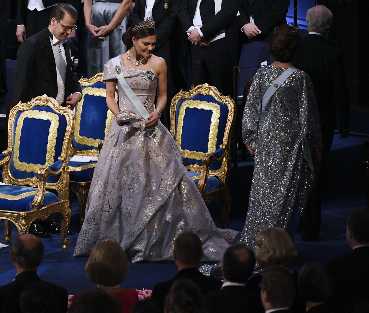 cc6e997112bf Victorias festblåsefrossa - bilder på alla klänningarna