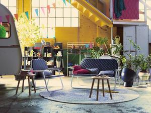 Jon Karlsson har designat en soffa och fåtölj som är ihopfällbara för den som bor på lite yta.