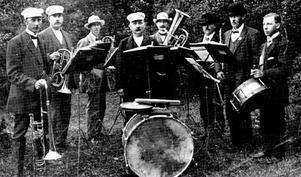Norrsundets Hornmusikkår 1891 och 1956.