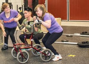 Maria, Kajsa och Annika är laddade inför träningen.