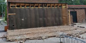 Tegelväggen ska ha rasat under söndagen.                                         Foto: Läsarbild