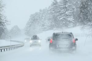Jultrafiken är svårt olycksdrabbad. Undvik dagar då trafiken är som tätast, skriver Ove Sundström, NTF Västernorrlands Äldreråd.