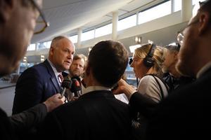 Jonas Sjöstedt och Vänsterpartiet ville få till en   misstroendeomröstning mot arbetsmarknadsminister Eva Nordmark (S) i missnöje över förändringarna inom arbetsförmedlingen.