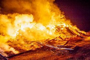 Den häktade Salatrion fångades på bild av övervakningskameror när de köpte material för att kunna anlägga ladubranden i Laggarbo och tre andra bränder i Sala-Hebyområdet. Foto: Niklas Hagman