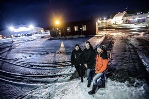 Daniel Larsson, Fredrik Liljeblad och Roger Holmgren är kritiska till beslutet om att dra in skötseln av isytorna.