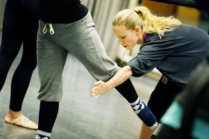 Dansläraren Sofia Edstrand i undervisningstagen, när hon i november 2013 var hemma i Örnsköldsvik och förberedde en barnföreställning mot utanförskap,